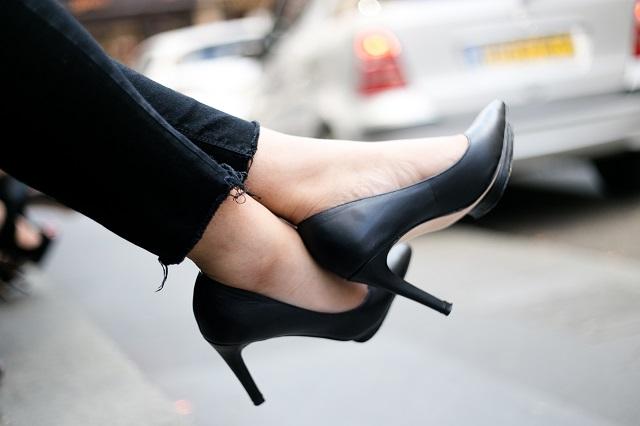 靴や靴箱の消臭剤おすすめランキング!女性なら足の匂いはコレで対策!